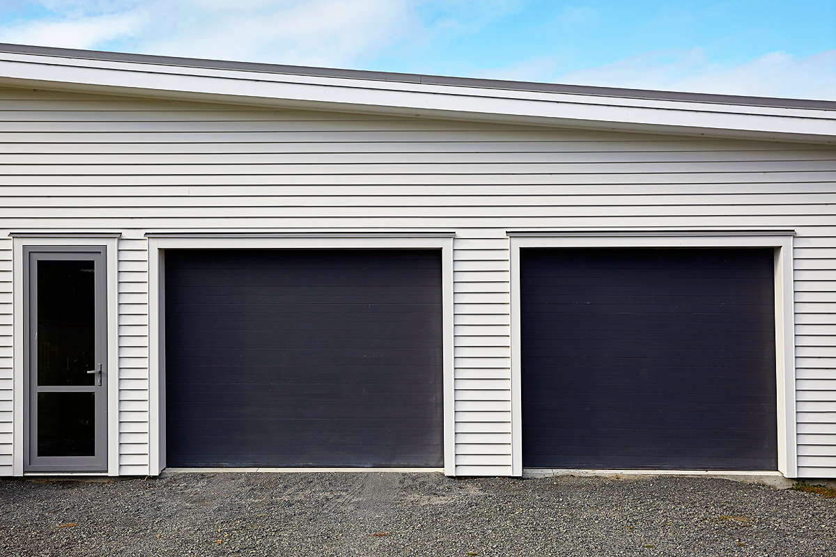 Dominator garage doors